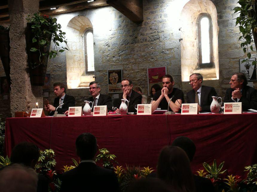 La Vente des vins de Nuits-Saint-Georges, dirigée comme d'habitude par le commissaire des ventes beaunois Maître Daniel Herry