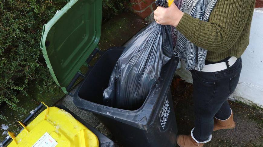 Moins de sacs dans les poubelles, pour payer moins cher, c'est l'objectif des 40 000 nouveaux habitants.