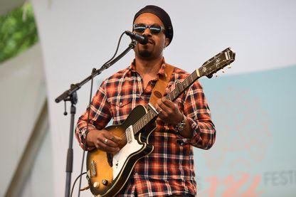 Pascal Danaë est un auteur, compositeur et interprète français, membre du groupe de blues créole Delgrès !