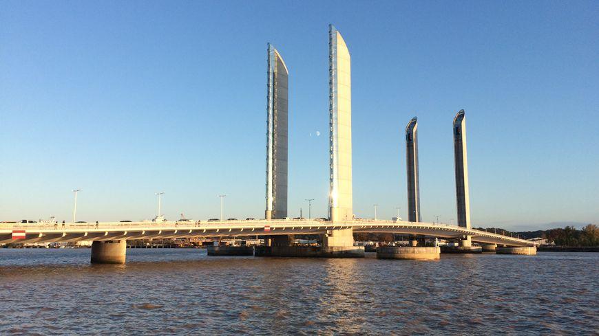 Le pont Chaban-Delmas à Bordeaux