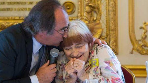 Angès Varda, en compagnie du maire de Sète, François Commeinhes.