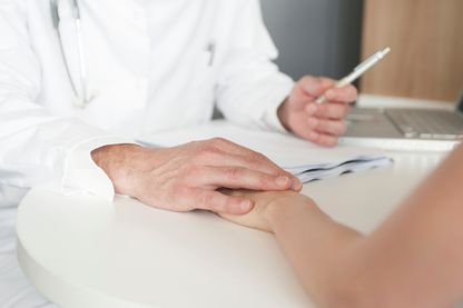 L'Ordre des médecins modifie l'interprétation du Code, plutôt qu'un nouvel article pour officialiser l'interdit sexuel dans le cadre professionnel