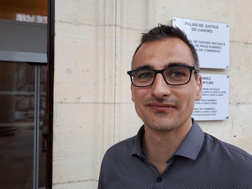LOL, le premier chien d'assistance judiciaire en France aide à libérer la parole des victimes 860_lol_florian_auffret