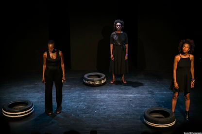 """""""Sur la route"""", en scène de g. à d. : Mata Gabin, Aya Cissoko, Rachel Khan"""