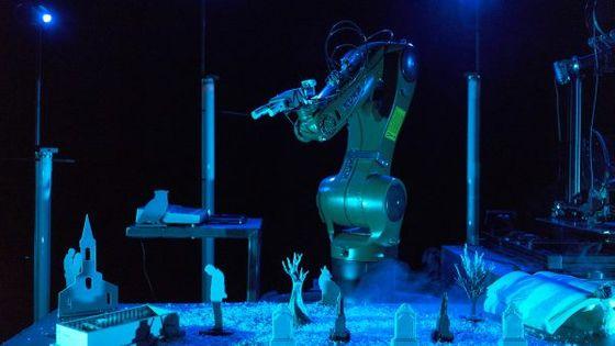Joris Mathieu met en scène une IA, des imprimantes 3D et un robot