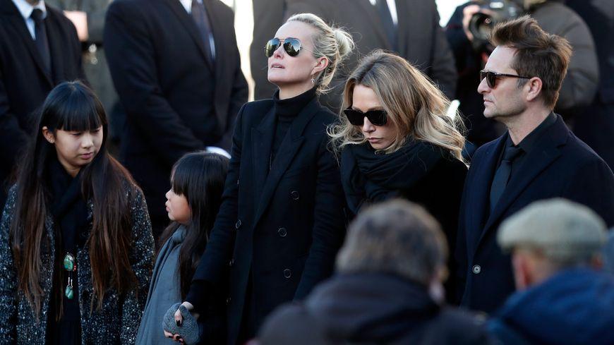 Hommage populaire à Johnny Hallyday, en présence de Laeticia de ses filles Joy et Jade, de Laura Smet et de David Hallyday, le 10 décembre 2017 à la Madeleine à Paris.
