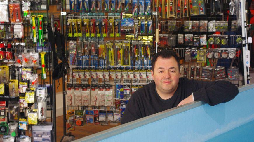 Stéphane Médina dans sa boutique à Montfort en Chalosse