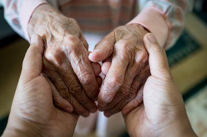 """""""Pour Madame Helmut, 102 ans, ça va, mais 103 ou 104, vous comprenez, ça commence à faire vraiment trop vieille"""""""