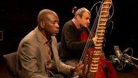 """Ballaké Sissoko et Vincent Ségal interprètent """"N'Kapalema"""""""