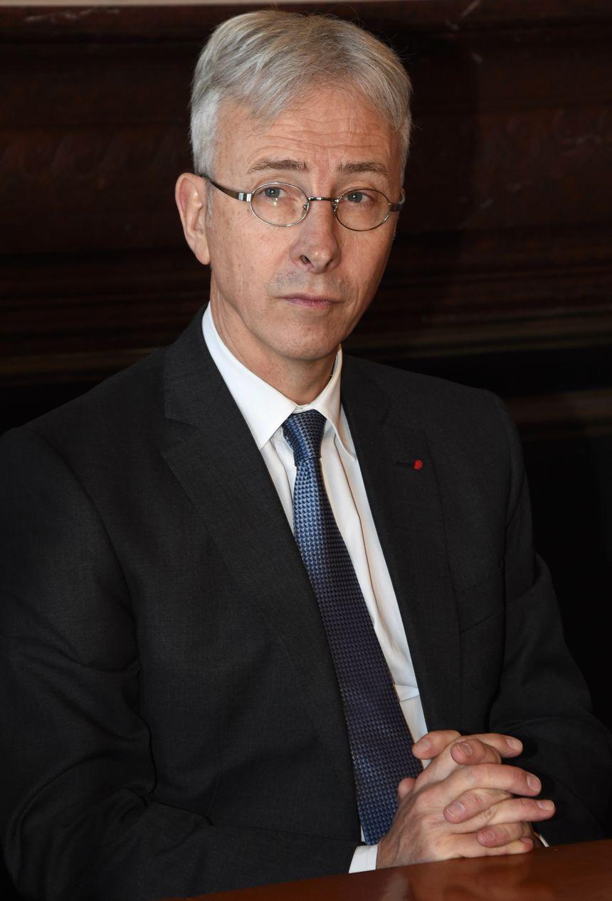 Didier Lallement a débuté sa carrière à la mairie d'Epinay-sur-Seine (93) en 1982.