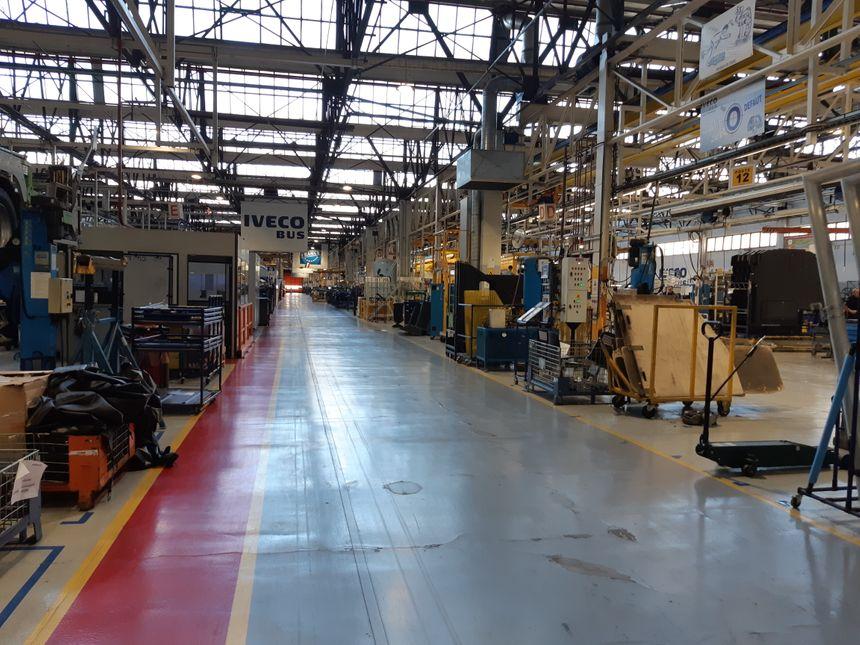 Les ateliers de fabrication de bus urbains dans l'usine Iveco bus à Annonay (Ardèche)