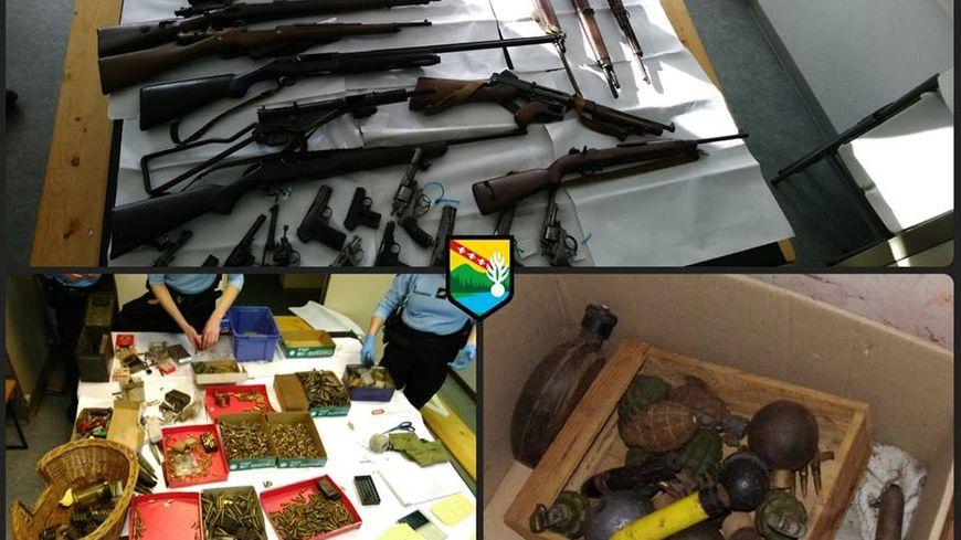 Des armes de guerre et des munitions ont été découvertes dans la maison d'une personne âgée