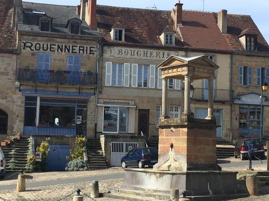 Le centre-bourg du village de Souvigny