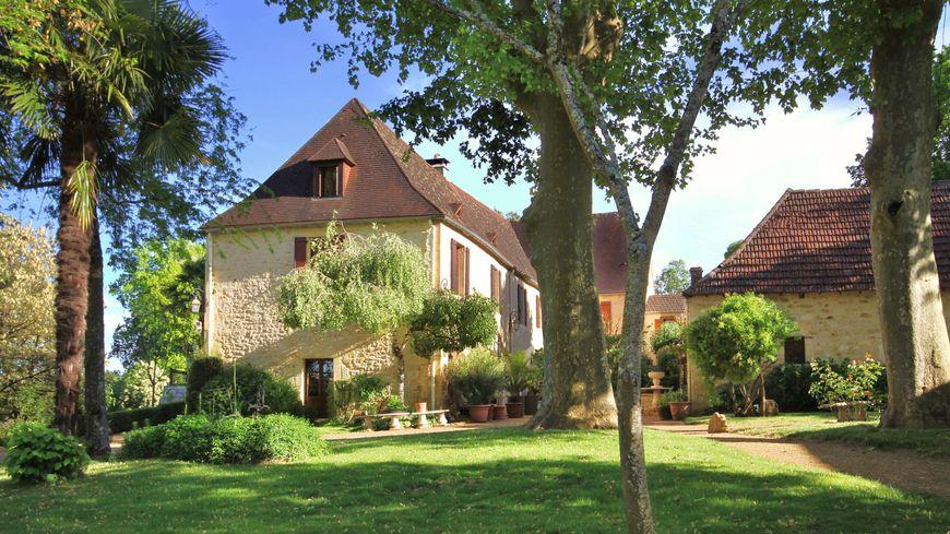 La maison principale de la propriété à gagner en Périgord noir