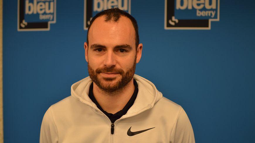 L'entraîneur du Poinçonnet Basket Yoann Cabioc'h devrait rejoindre La Glacerie