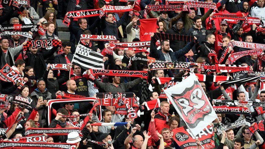 Rencontre de finale de Coupe de la Ligue entre le Racing Club de Strasbourg et l'En Avant de Guingamp