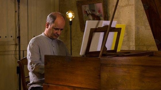 Olivier Baumont (Clavecin) joue Scarlatti dans le cadre de l'enregistrement de l'intégrale des sonates par France Musique au château de Flamarens (Gers) le 19 juillet 2018.