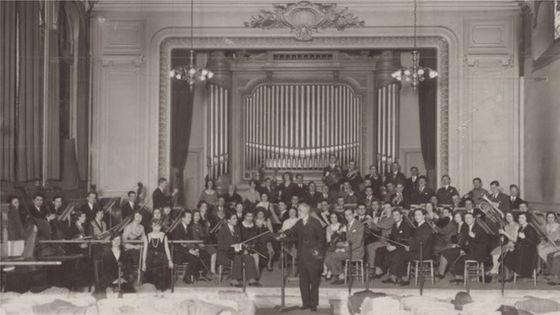Classe d'orchestre du Conservatoire national de musique - 1929-30. Photo: L. Roosen