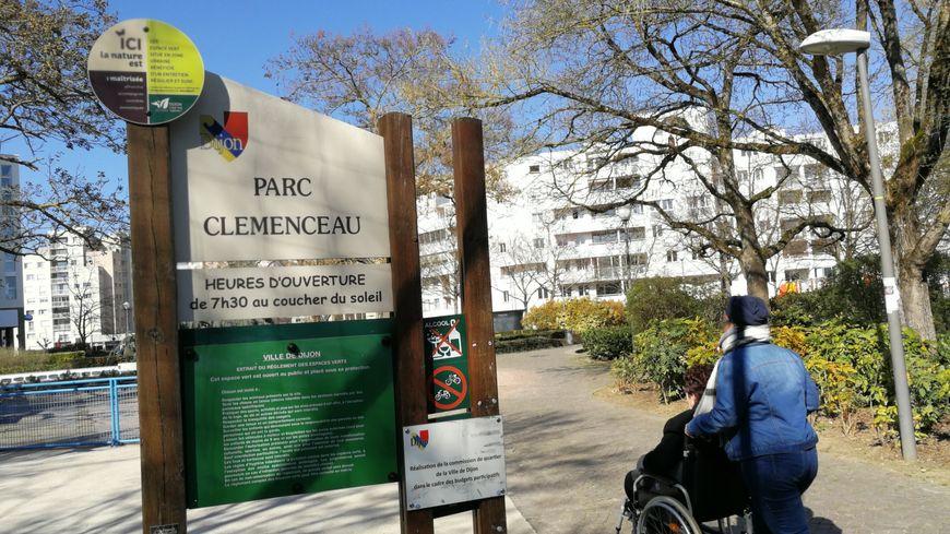 Le Parc Clémenceau s'est métamorphosé ces dernières années. Fini les canettes de bières brisées et les dégradations!
