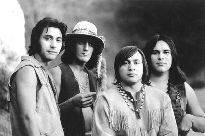 Le groupe de musique, Redbone en 1970.