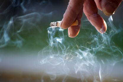 Cigarettes : nouvelle hausse, le paquet augmente de 50 centimes en moyenne