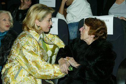 "Catherine Deneuve et Mag Bodard lors de la Première de ""Peau d'Âne"""