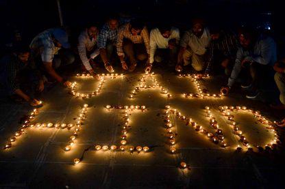 """Le slogan patriotique """"Jai Hind"""" (""""victoire à l'Inde"""") est repris partout dans le pays depuis la crise avec le Pakistan (ici au festival de Diwali en octobre 2016)"""
