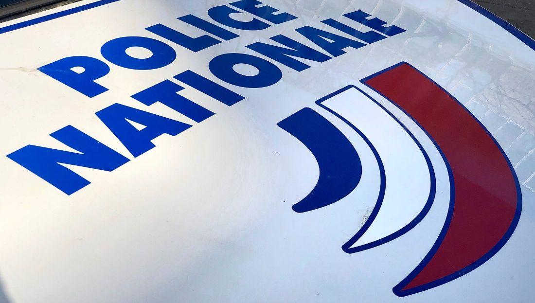 Dordogne : elle frappe sa compagne à coups de barre de musculation
