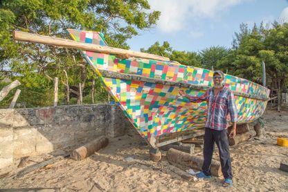 30 000 tongs ont été ramassées sur les plages pour réaliser le Flipflopi