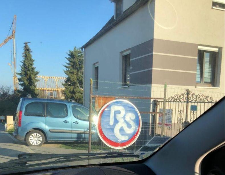 L'Alsace aux couleurs du Racing Club de Strasbourg : à Obermorschwihr.