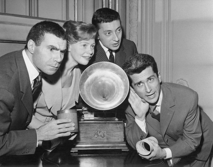En mars 1959, Marcel Amont reçoit le Grand Prix du disque de l'Académie Charles Cros, la même année que le chanteur Serge Gainsbourg.