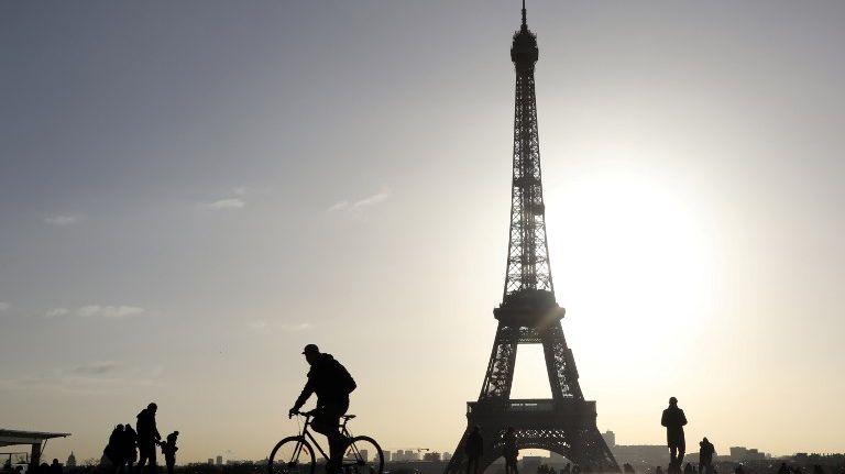Bon anniversaire à la Tour Eiffel qui fête ses 130 ans.