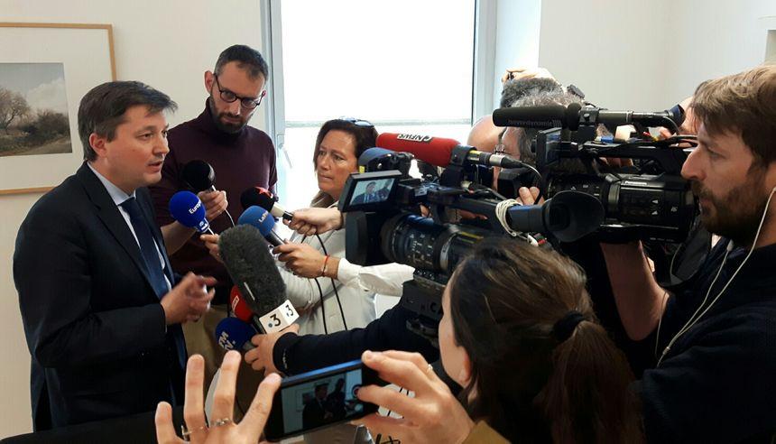 L'interdiction de la manifestation de samedi... sous l'objectif de nombreux médias locaux et nationaux