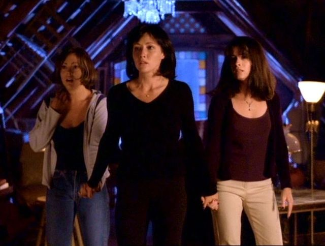 Phoebe, Prue et Piper (de g. à d.) - Charmed, Saison 1 (1998)