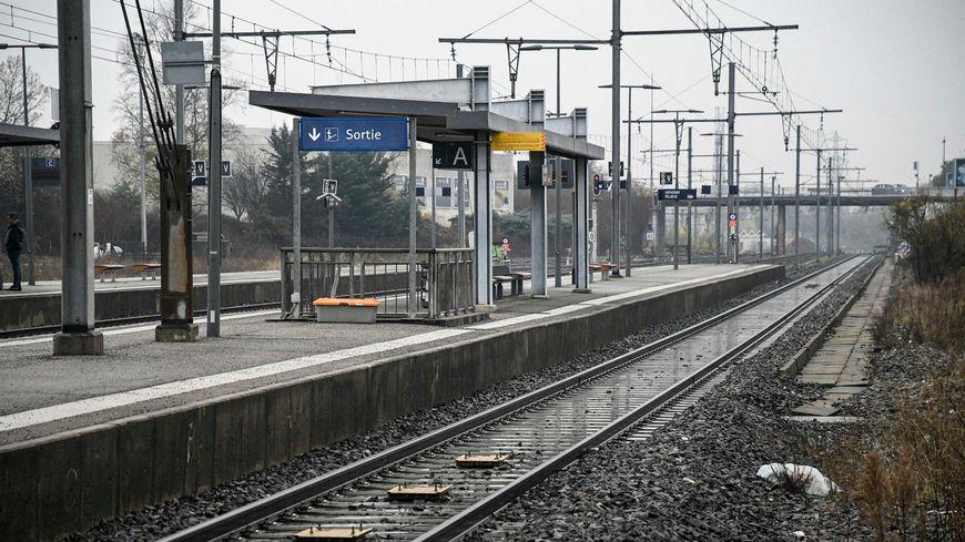 Les arrivées en gare sont particulièrement surveillées.
