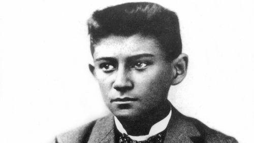 """Ivo Fleischmann : """"Kafka sentait pendant sa vie qu'il n'appartenait à rien pleinement. Il était un étranger partout"""""""