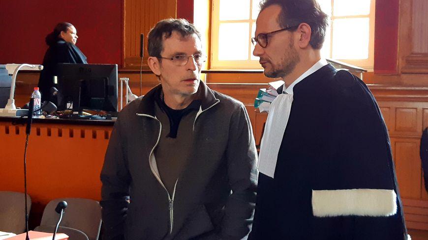 Christian Bouchon avec l'un de ses avocats, Stéphane Juillard