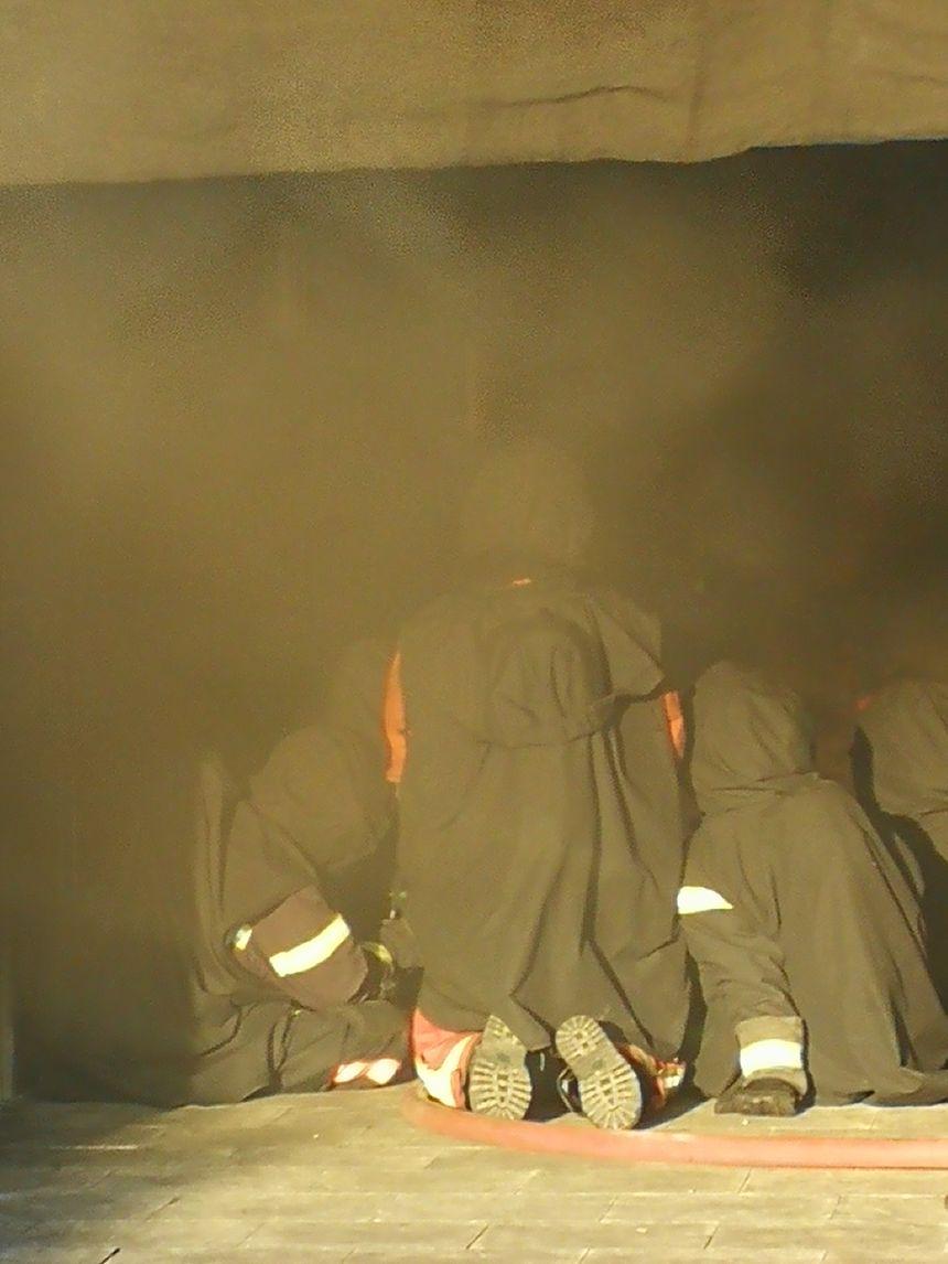 Des nappes de fumée se dégagent elles peuvent être plus ou moins épaisses