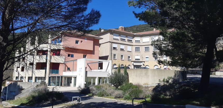 Le centre hospitalier Roquefraîche de Lauris.