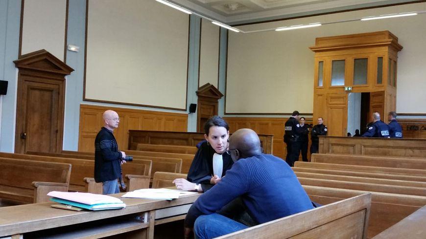 Les avocats de la défense ont démonté point par point la version de la victime.