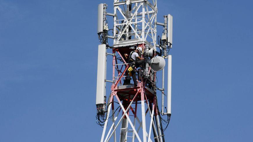 Une antenne relais de téléphonie mobile - illustration