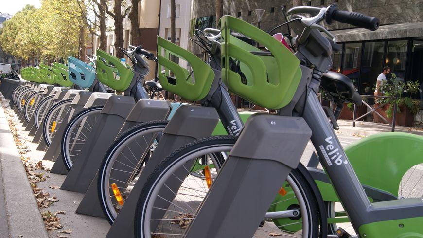 """""""Vélib' est le plus grand système au monde de déploiement de vélos électriques"""", selon le nouveau patron de Smovengo, Arnaud Marion."""