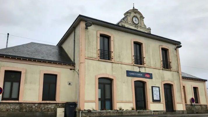 Le hall de la gare d'Evron pourrait être rachetée par la communauté de communes des Coëvrons