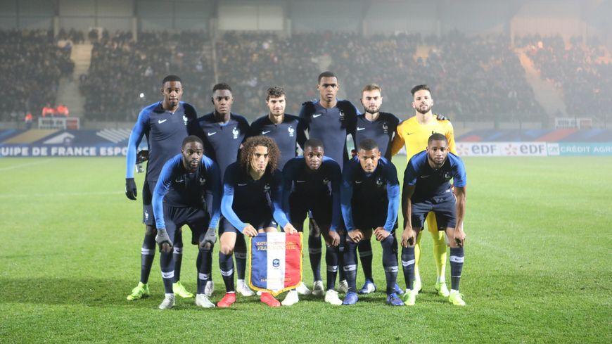 L'Equipe de France de football Espoirs avant son match face à la Croatie en novembre 2018. Les Bleuets recevront la Belgique au Mans le 3 juin 2019.