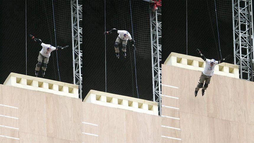 Record du monde de saut en roller pour Taig Khris en mai 2010.