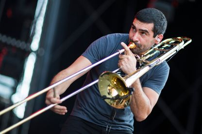 Fred Burguière du groupe Les Ogres de Barback, sur scène du 39ème Paleo Festival (Nyon, Suisse, 25 juillet 2014)