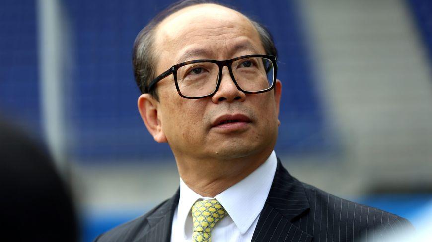 Wing Sang Li est sous pression : le président du FCSM doit rembourser 3 millions de dollars à un créancier chinois sous peine de perdre le club.
