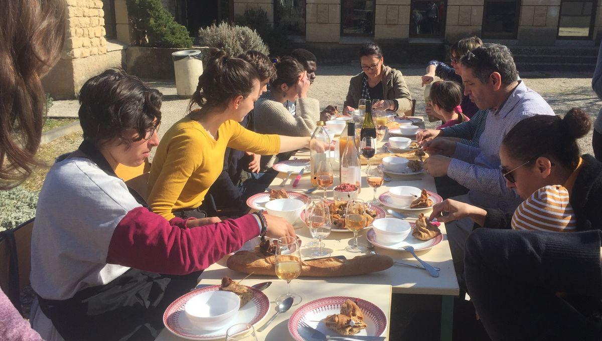 Cours De Cuisine Pyrenees Atlantiques des cours de cuisine avec des produits locaux à carpentras