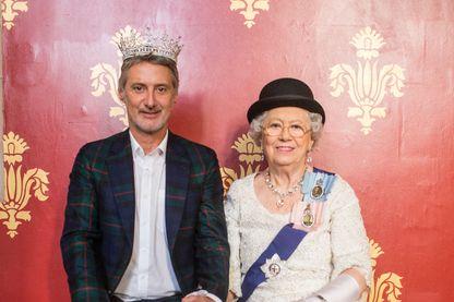 En exclusivité mondiale, Antoine de Canes a obtenu une interview de la Reine sur le Brexit ! Ou serait-ce un sosie?