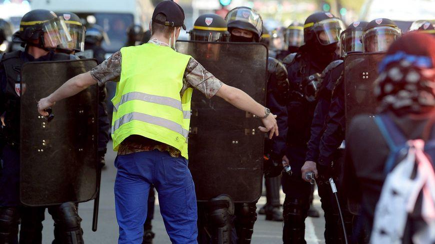A Rennes, des tensions avec les forces de l'ordre sont intervenues vers 16 heures, avenue Janvier.